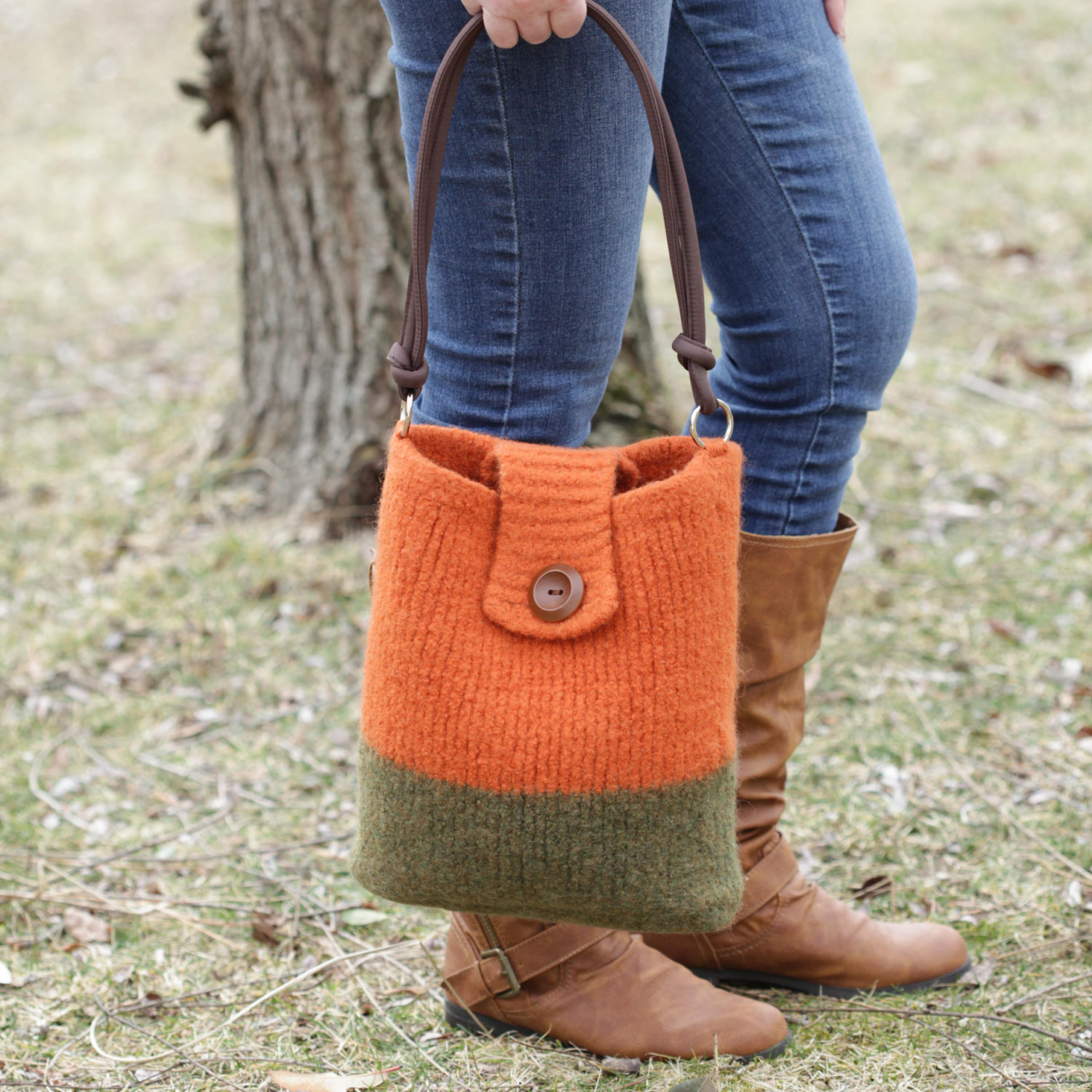 Felted Tote Bag Knit Pattern - Camera Shoulder Bag