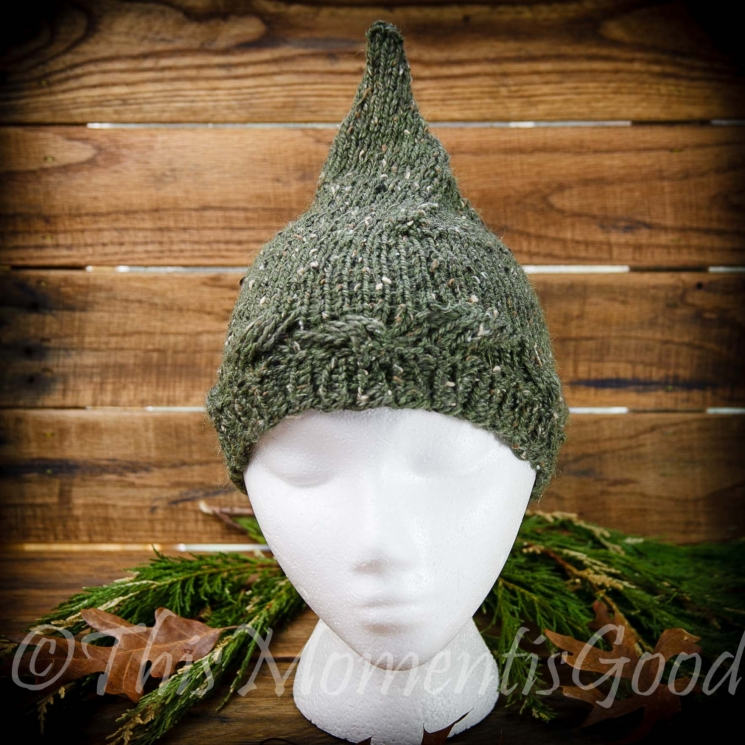 LOOM KNIT PIXIE HAT PATTERN. LADIES/TEEN PIXIE HAT. ELF HAT PATTERN