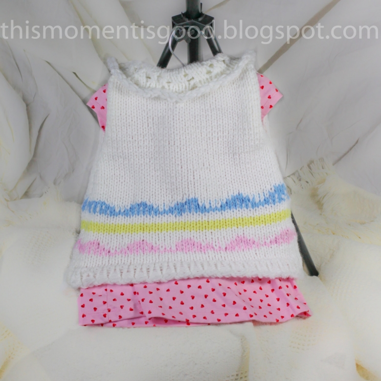 LOOM KNIT CAPE FOR BABY PATTERN: SIZE 12-18 MONTHS.