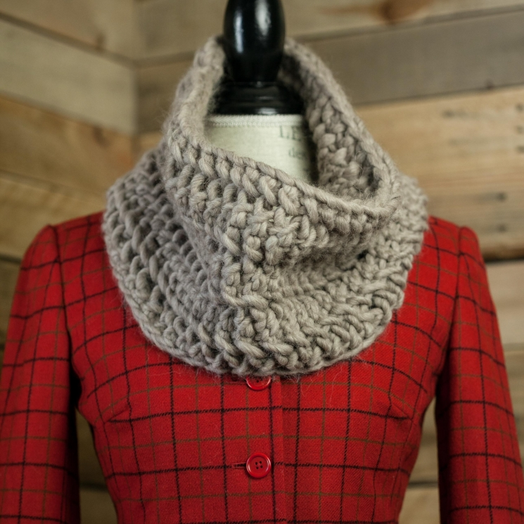 Loom Knit Cowl Pattern, Chunky Lace Cowl Pattern This Moment is Good