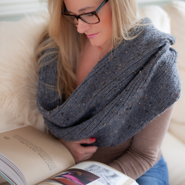 Loom Knit Infinity Cowl PDF PATTERN. Drapey, Unisex, Can Be Worn in Multiple Way