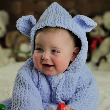 LOOM KNIT BABY BATHROBE PATTERN. SPA QUALITY AND TEDDY BEAR THEMED