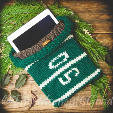 LOOM KNIT IPAD COVER PATTERN, LOOM KNIT E-READER SLEEVE PATTERN FOOTBALL THEMED