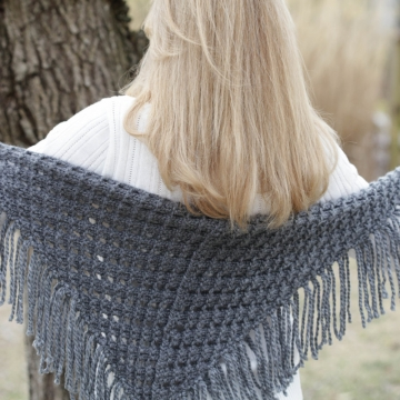 LOOM KNIT EYELET TRIANGLE SHAWL PATTERN. LACE SCARF PATTERN