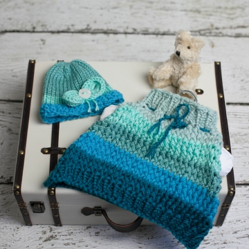 Loom Knit Poncho Hat Set Pattern for Newborn. Baby Cape, Hat With Bow, Ombre Col