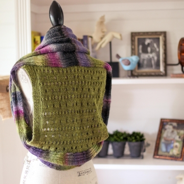 Loom Knit Shrug Vest Pattern. Vest Has A Pretty Eyelet Lace Back. Loom Knitting