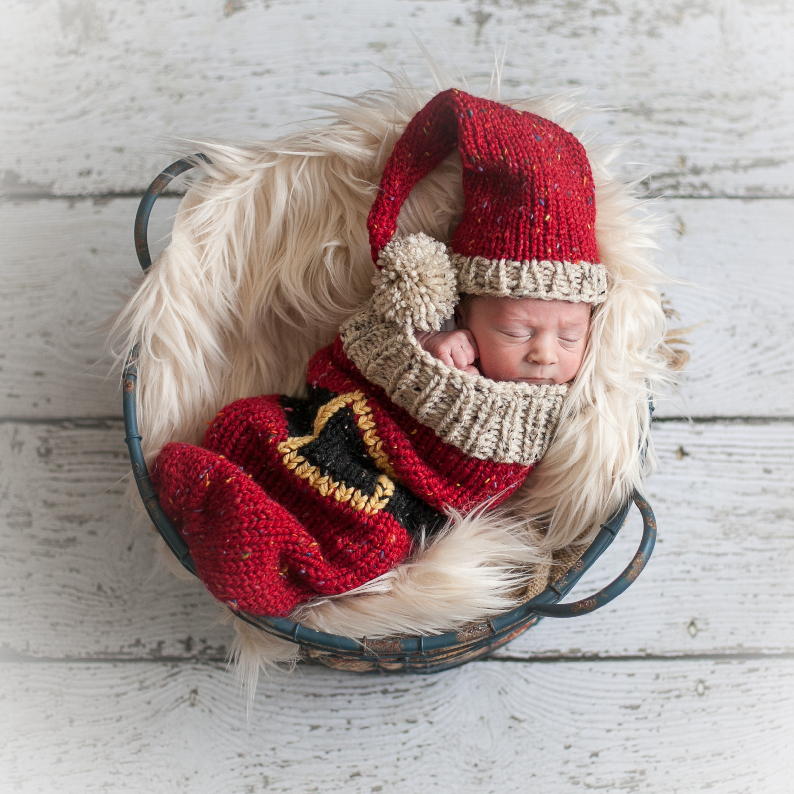 Loom knit christmas cocoon and santa hat pattern for newborn baby loom knit christmas cocoon and santa hat pattern for newborn baby bankloansurffo Images