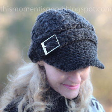 Loom Knit Newsboy Cap with Mock Cables and Buckle PATTERN:  Stylish and Warm!  Pattern is for Womens Hat, One Size. PATTERN ONLY!
