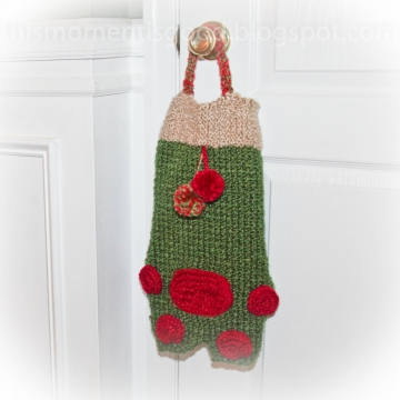 Loom Knit Pet Stocking PATTERN! Adorable, Large Paw Print Stocking Pattern or Child's Bag.  PATTERN is available for immediate PDF Download.