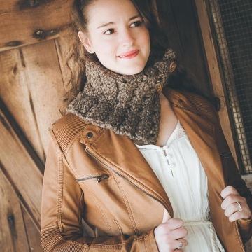 Loom Knit Cowl, Scarf PATTERN. Loom Knit Eyelet chunky Cowl, Neckwarmer Easy PATTERN. Sizes Child, Teen, Adult. PDF Instant Download.