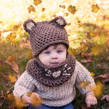 Loom Knit Mouse Hat And Cowl Set PDF PATTERN. Sized For Baby to Adult.