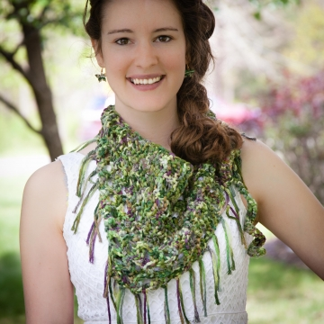 Loom Knit Bandanna Scarf Pattern, It can also be used as a Sarong or Bathing Suit Cover Up. PDF Download, 1 Pattern Included.