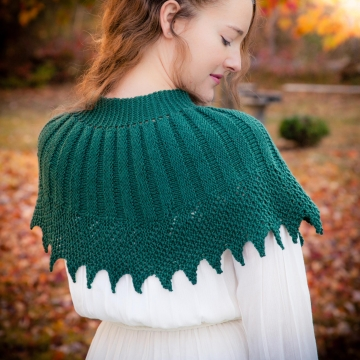 Loom knit cape pattern, capelet, shawl, poncho, wrap, victorian, PATTERN. Feminine and elegant loom knitting PDF Download.